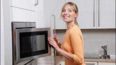 Как просто очистить микроволновку от жира?