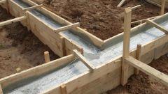 Какой фундамент лучше: заливной или из блоков