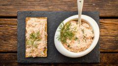 Как приготовить домашний паштет из копченого лосося и креветок