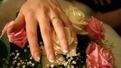 Почему замужняя женщина не носит обручальное кольцо