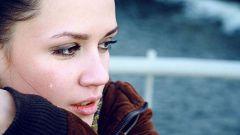 Как можно утешить плачущую женщину