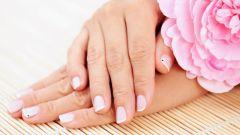 Как убрать грязь под ногтями