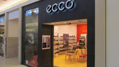 Where make shoes Ecco