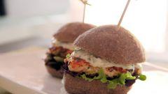 Как приготовить гамбургер с котлетой из семги