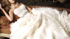 Что можно сшить из свадебного платья