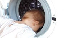 Каким порошком лучше стирать детские вещи