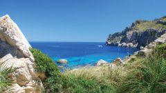 Какими морями омывается Испания
