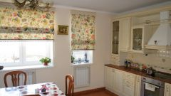 Шторы или жалюзи выбрать для кухонного окна