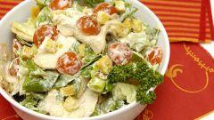 Как быстро приготовить салат Цезарь