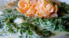 Семга со шпинатом в духовке