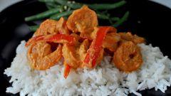 Как приготовить креветки с рисом и карри