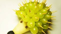Как сделать ежика из фруктов