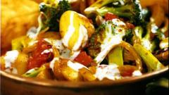 Брокколи и картофель карри