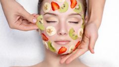 Как приготовить маски для лица на основе ягод и фруктов