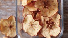 Как приготовить яблочные чипсы