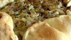 Как приготовить открытый пирог с капустой и грибами