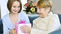 What to give an elderly man a birthday