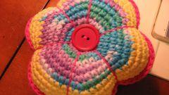 Чем наполнить вязаную подушку