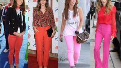 С чем носить розовые и красные брюки
