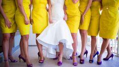 Какие туфли подойдут к желтому платью