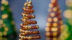 Как сделать новогодний сувенир из бисера