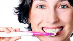 Нужно ли ежедневно чистить зубы