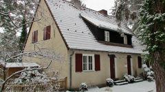 Хорошо иметь домик в деревне: плюсы и минусы жизни за городом