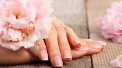Длинные накладные ногти или элегантный французский маникюр?