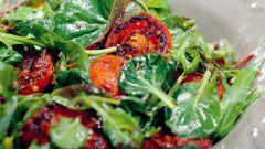Салат с обжаренными помидорами