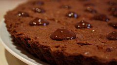 Как приготовить шоколадный пирог с грецкими орехами