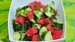 Как приготовить салат из арбуза и огурца