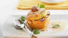 Как приготовить запеченные яблоки с изюмом, корицей и медом