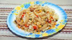 Идеальный ужин -  рис с курицей и кальмарами
