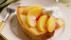 Ароматный торт с персиками