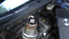 Как обслуживать свечи зажигания автомобиля?