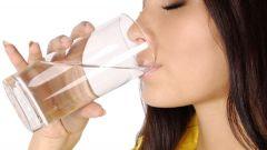 Почему вода способствует похудению