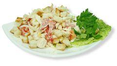 Как сделать салат с сухариками и фасолью