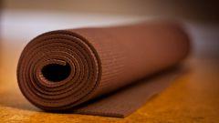 Как выбрать удобный коврик для йоги