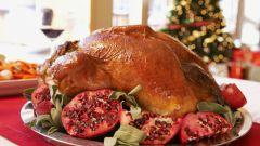 Новогоднее блюдо – утка с начинкой из риса и граната