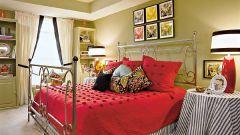Потолок в спальне: дизайн и оформление