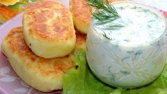 Готовим картофельные котлеты с соусом