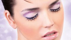 How to properly and quickly remove extended lashes at home