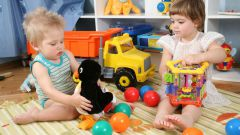 Как выбрать игрушку по возрасту