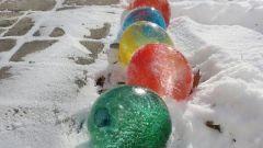 Ледяные шары: эффектное новогоднее украшение