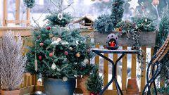 Как украсить балкон к Новому году