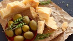 Особенности твердых сыров: выбираем и подаем правильно