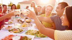 Как организовать доставку продуктов к домашнему празднику