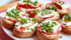 Горячие бутерброды – сытное блюдо за 15 минут