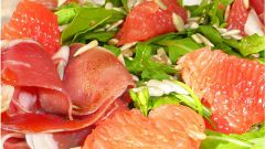 Итальянский салат с пармской ветчиной и грейпфрутом