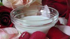 Отбеливающая маска для лица из кислого молока